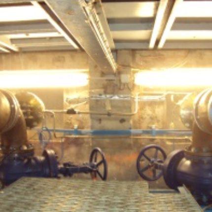 Vannes by pass DN 200 Vannes papillons de pied DN 4 000 Analyse du besoin : Remplacement de la vanne By Pass DN 200 servant à l'équilibrage des sas de la vanne Papillon de DN 4 000 mm. Pression 12 bars, vitesse 60m/s. Etude hydraulique spécifique.